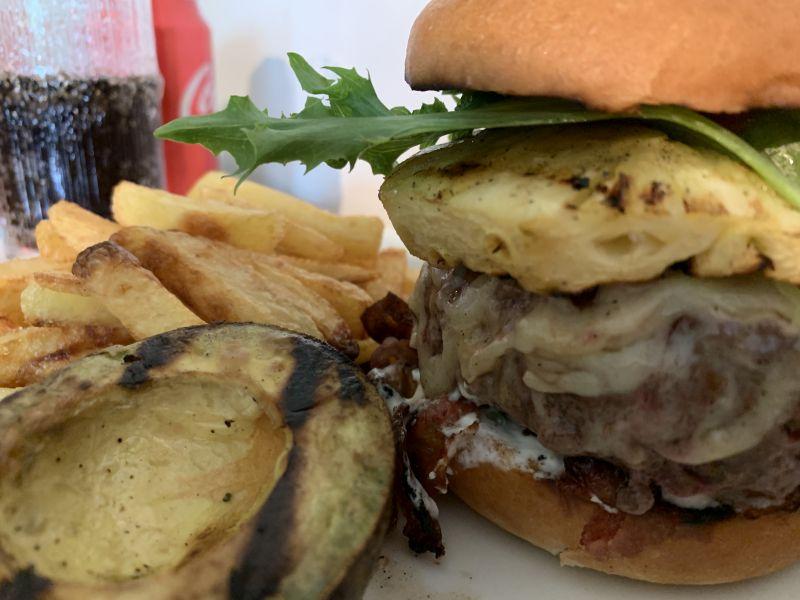 Täydellisen burgerin metsästys, osa Havaiji