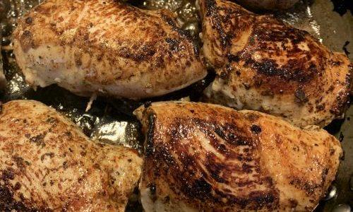 Täytettyä kanaa ja punaviinirisottoa